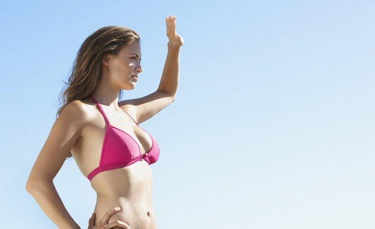 Фото причины аллергии на солнце у женщин