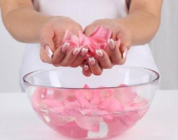 Фото - Розовая вода