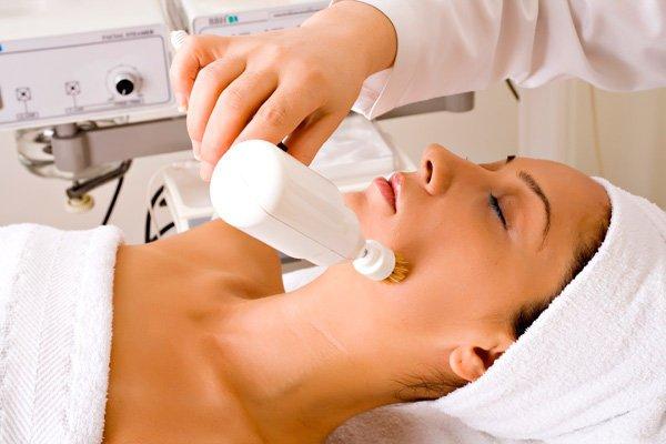 Фото процедура для кожи брашинг