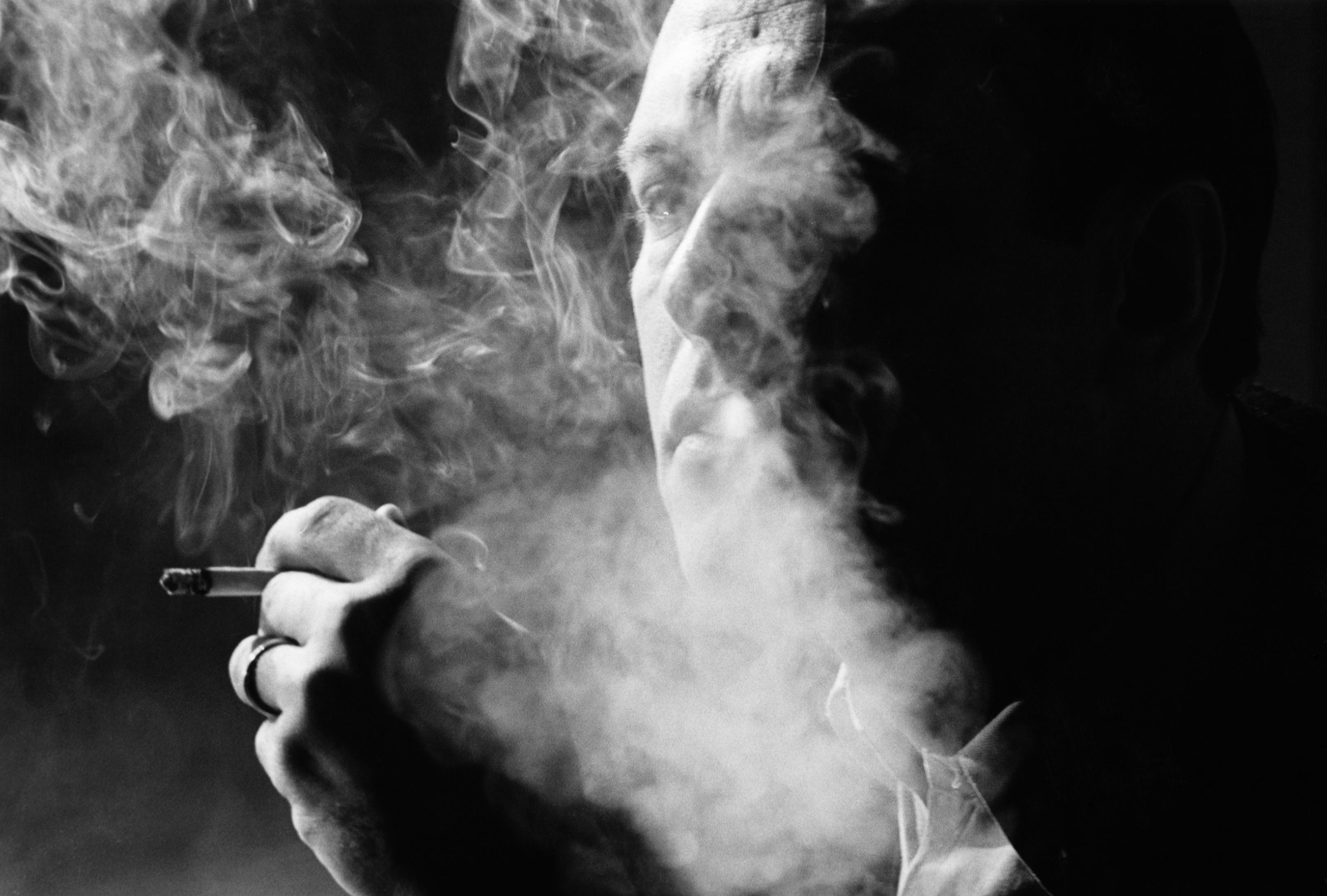 картинки сигаретный дым изо рта недостаточная чувствительность