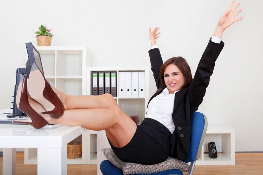 Картинка женщина на работе после декрета