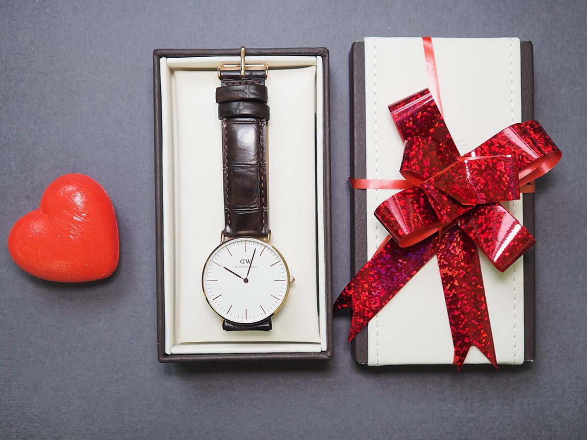 На день рождения даряи часы