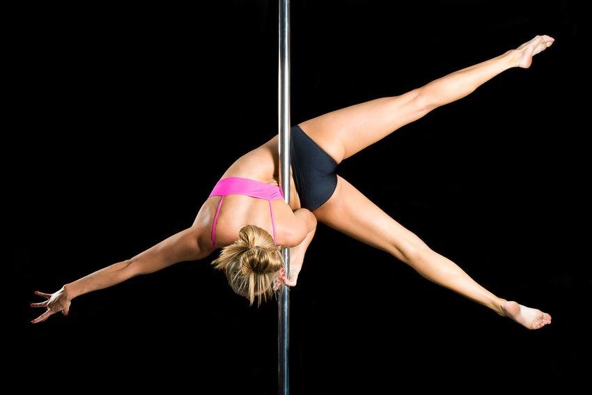 Фото на тему: Pole dance. Упражнения на пилоне для поддержания фигуры