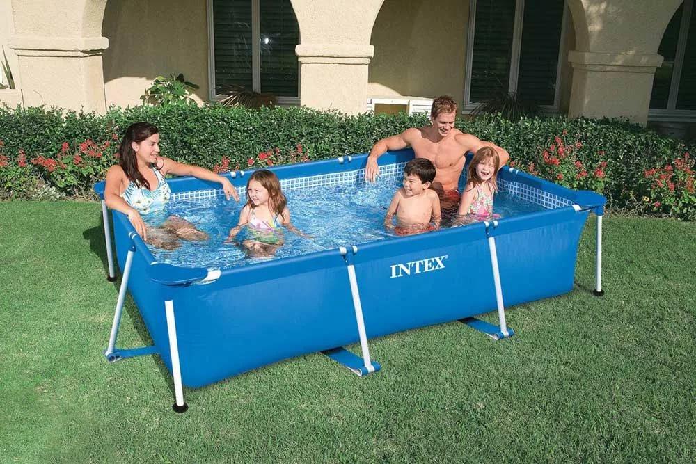 Фото на тему: Какой и как выбрать бассейн для дачи? Надувной или каркасный, какой надежнее?