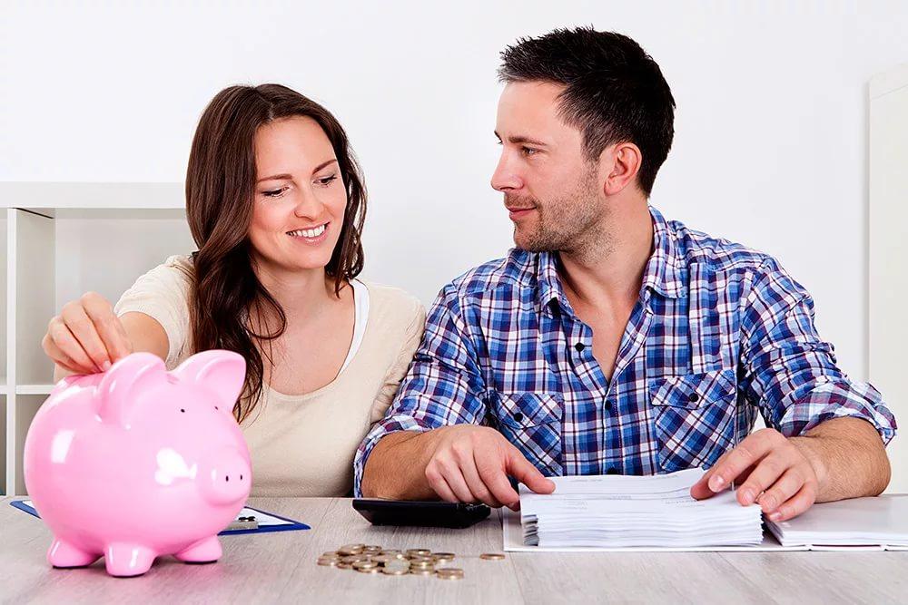 Фото на тему: Жена тратит много денег на ерунду. Как научить копить?