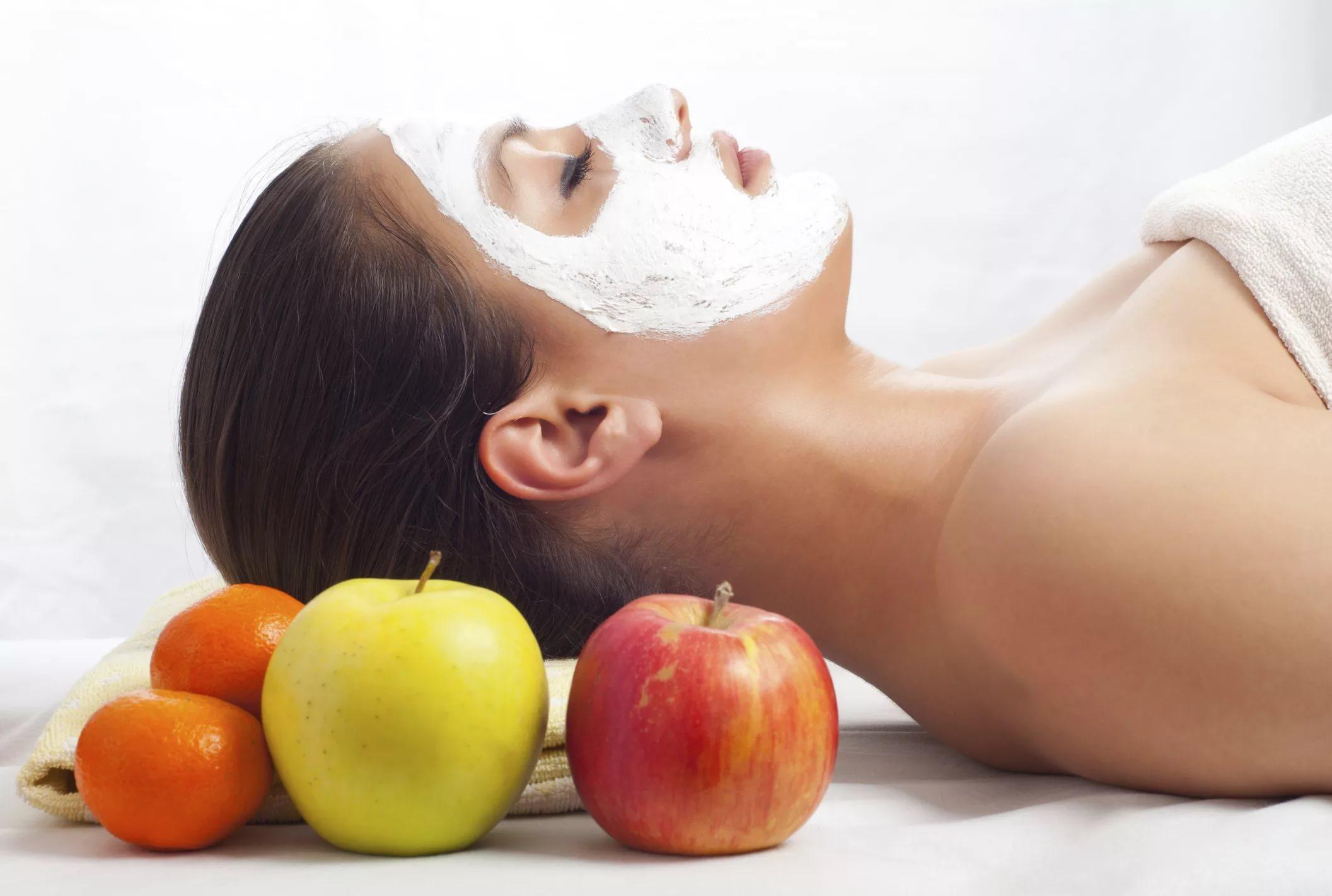 Картинка по теме: Домашняя маска из яблока для лица с эффектом пилинга