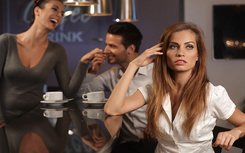 Фото на тему: Подруга ревнует к парню. Что делать? А вдруг уведет?