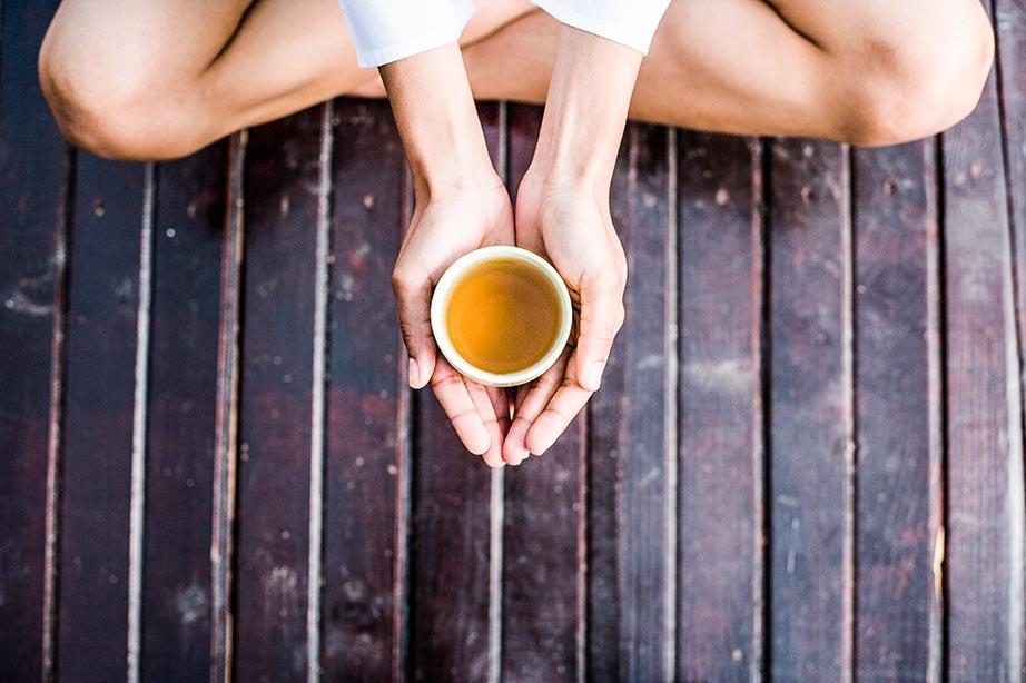 Фото на тему: Мой мужчина перед сексом пьет зеленый чай с маслом гхи и медитирует, надоел! Что делать?