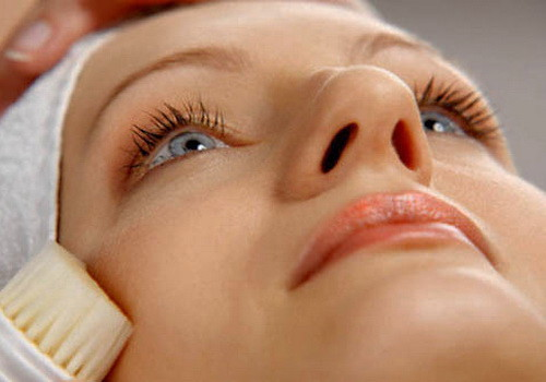 Фото - Процедуры для кожи: брашинг