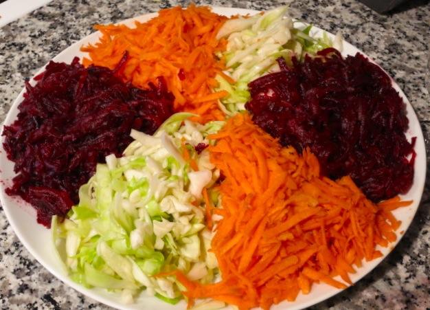 Салат из свеклы капусты и моркови рецепт