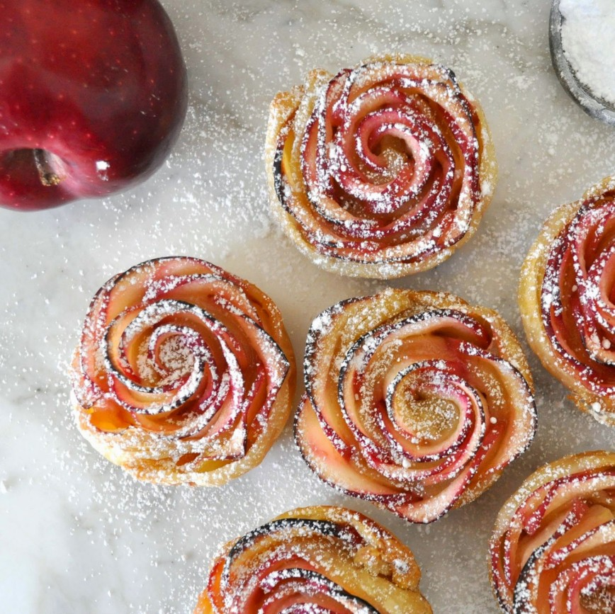 Яблочные розы из слоеного теста пошаговый рецепт