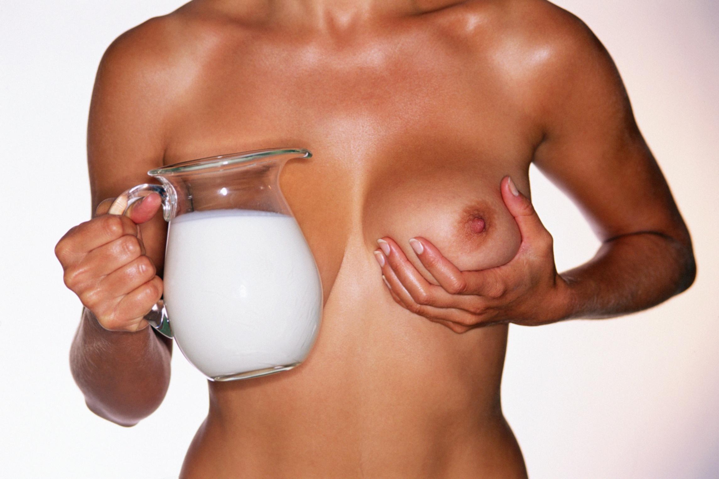 Фото грудь молоко 3 фотография
