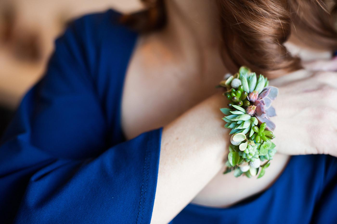 Как сделать украшения из живых цветов и эпоксидной смолы 95