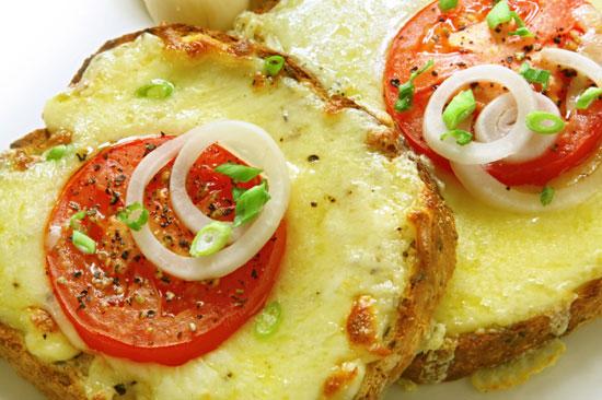 Бутерброды с помидорами и яйцом в духовке пошаговый рецепт
