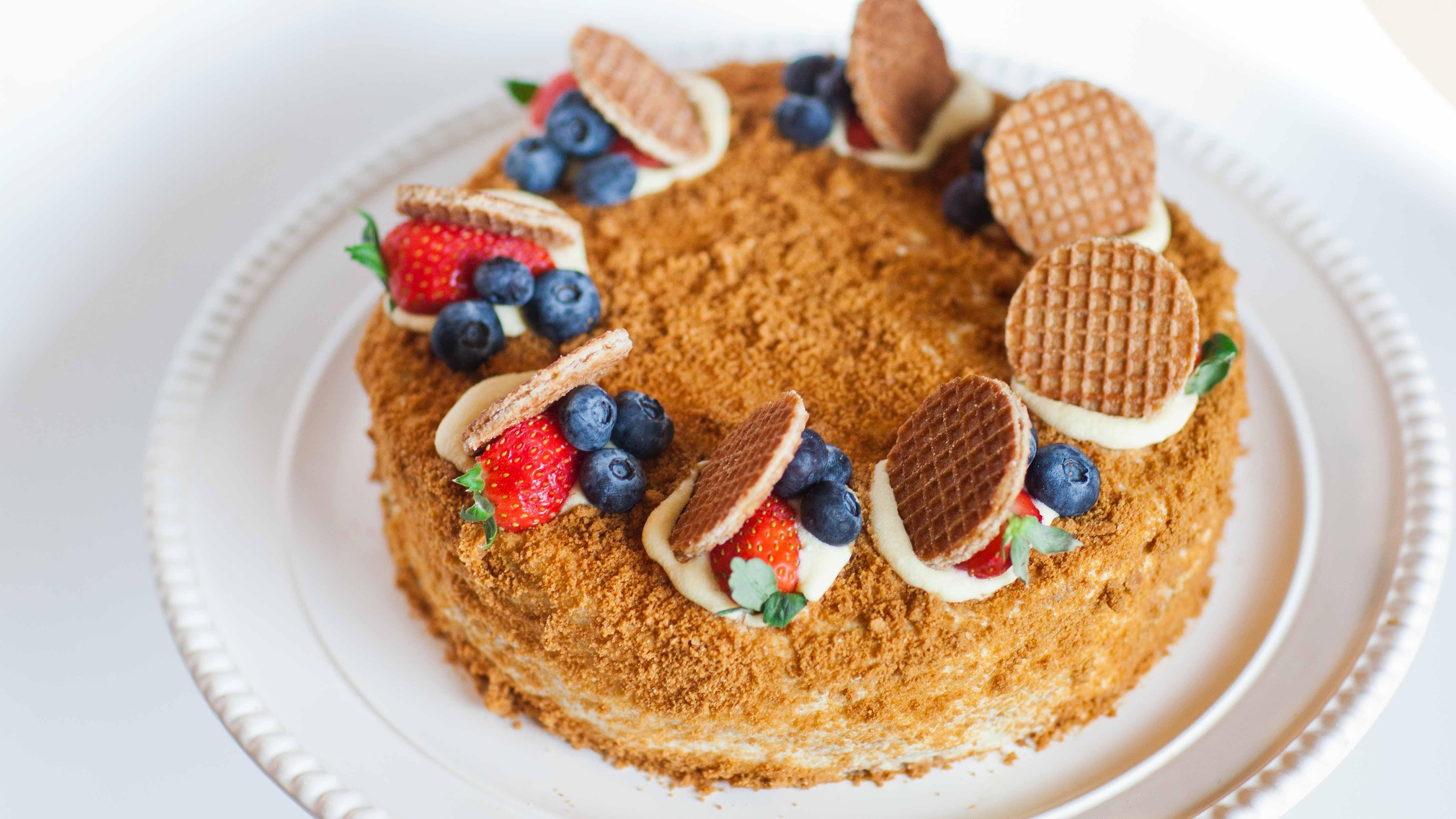 Медовый торт его украшение пошагово