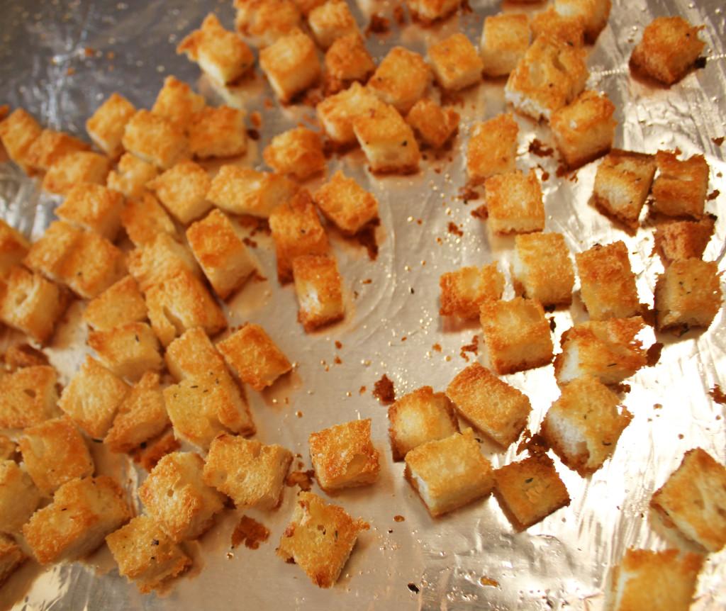 Как из хлеба сделать сухарики на сковороде 625