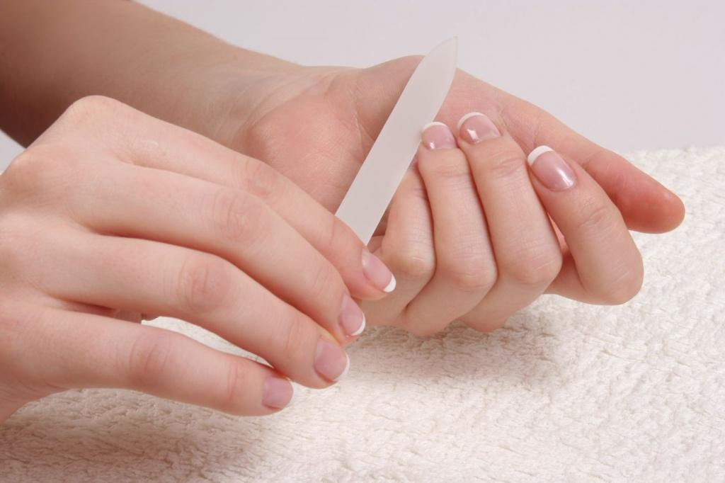 Картинка по теме: Как укрепить слоящиеся ногти в домашних условиях?