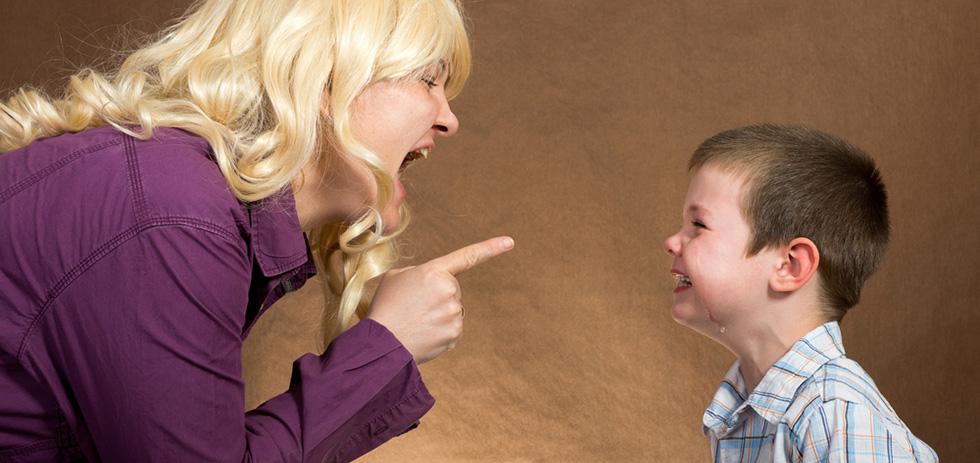 Сильно кричу на ребенка что делать