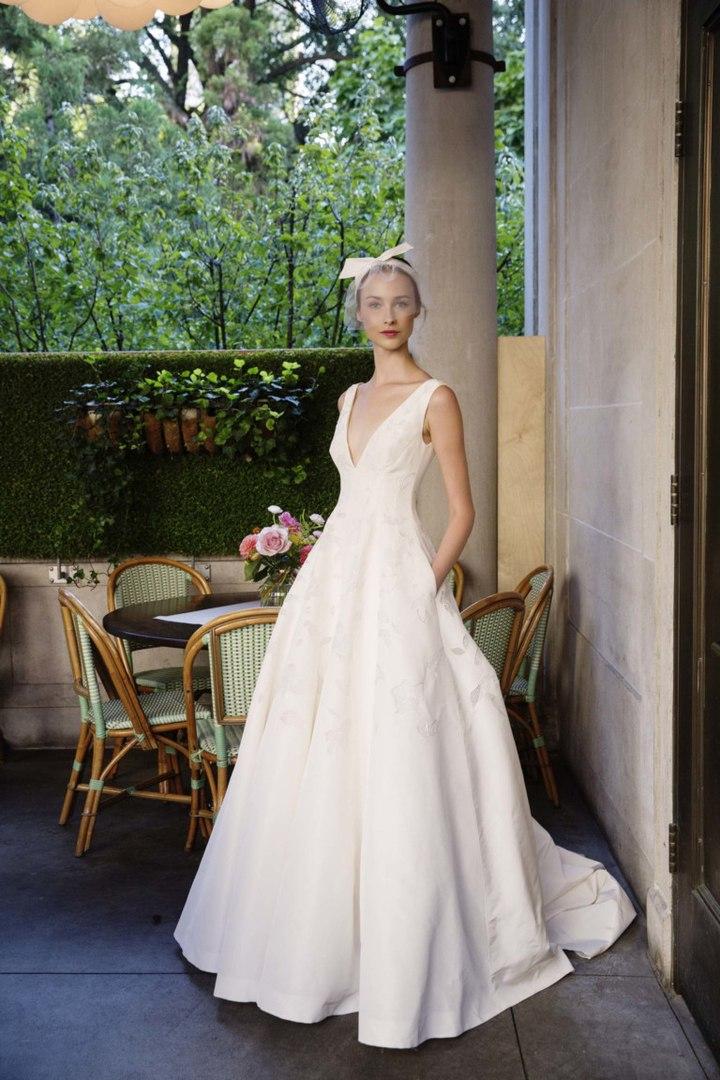 К чему свадебное сжигать платье снится