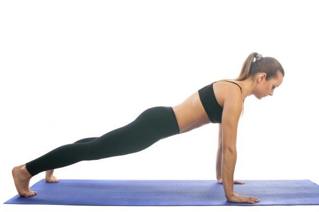 упражнения против жира на животе и бедрах
