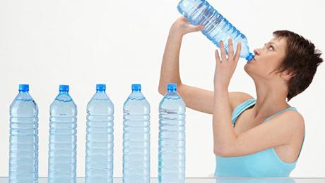 Фото и отзывы о Врачи не рекомендуют пить много воды при болезни