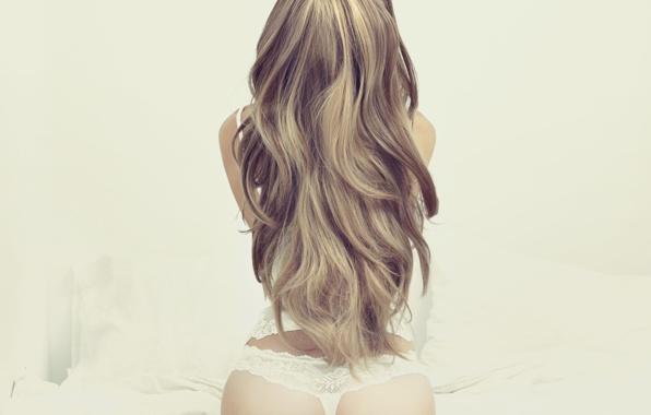 фото девушек со спины мелированных