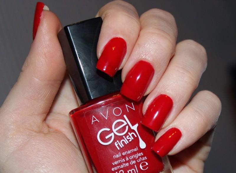 Лак-гель ногтей красный