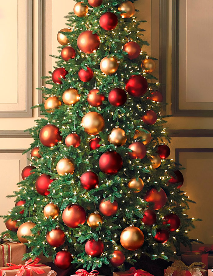По традиции каких числах наряжать елку
