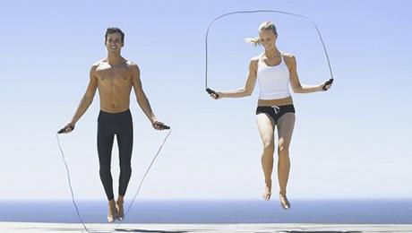 Фото - Чем полезны прыжки на скакалке?