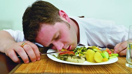 Фото и отзывы о После еды хочется спать. Почему?