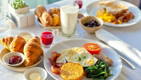 Фото и отзывы о Есть ли польза от плотного завтрака для похудения?