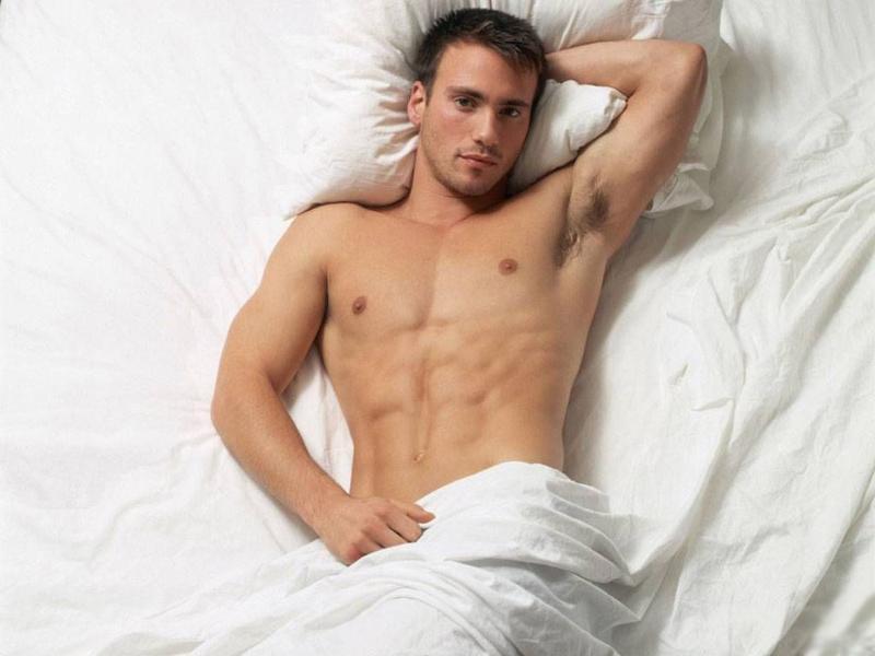 Картинка по теме: Фотограф из Торонто снял неидеальных голых мужчин для проекта о бодипозитиве